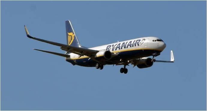 Самолет компании Ryanair который был перехвачен белорусскими истребителями с целью захватить Романа Протасевича