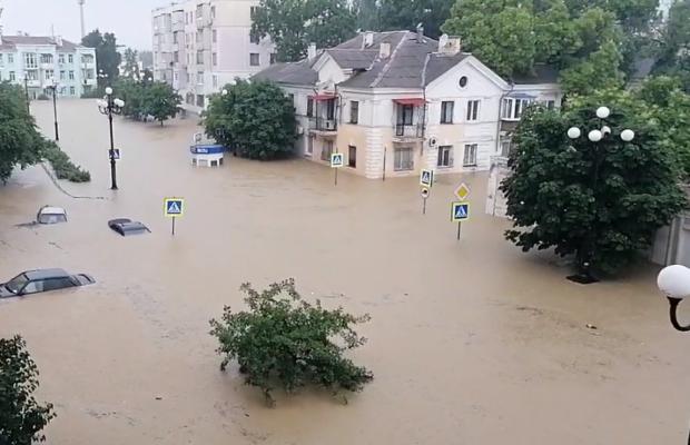 Проблеми з водою в Криму тривають. Відео