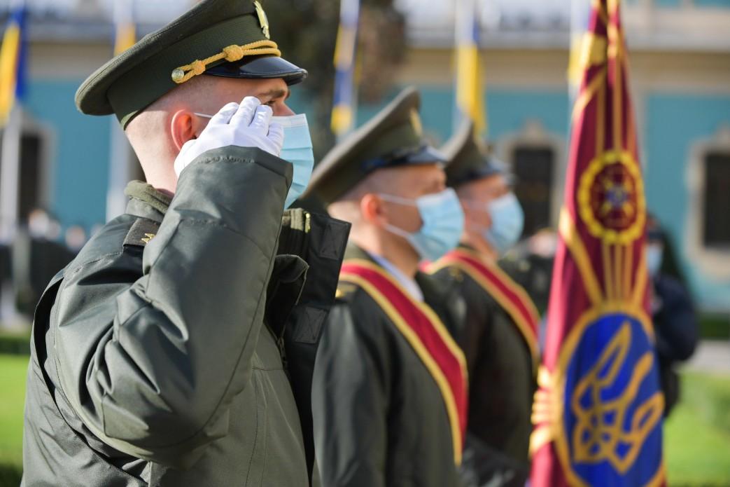 Фото: 6 декабря Украина празднует день украинских защитников