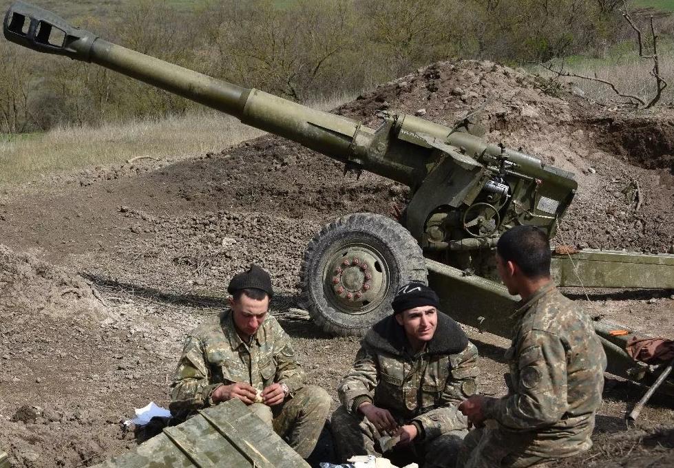 Боец украинской армии с передовой обратился к жителям страны